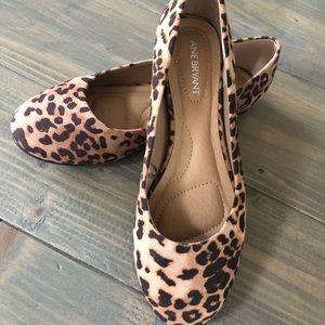 Wide width leopard flats